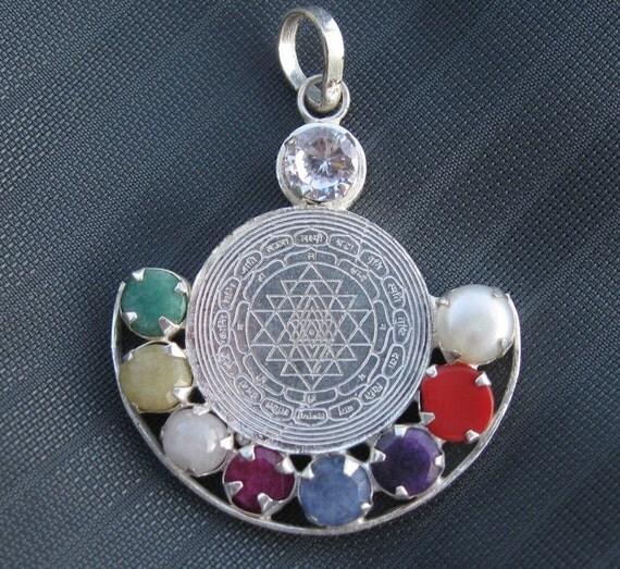 Navaratna Sri Yantra 9 Gems Navagraha Pendant in Silver - photo #13