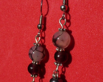 Beaded earrings with a natural lavender pearl