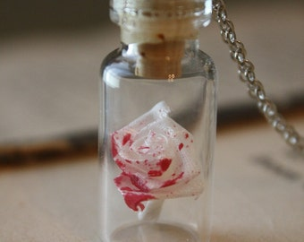 Alice in Wonderland Necklace - Painting the Roses Red - Halloween Necklace