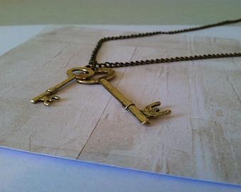Vintage-Victorian Key Necklace!