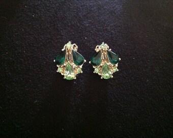 Vintage Peridot & Emerald Green Rhinestone Earrings. (Clip back)