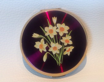 "1960s Enamelled Stratton ""Daffodil"" Compact. Vintage Pwder Compact. Stratton Compact."