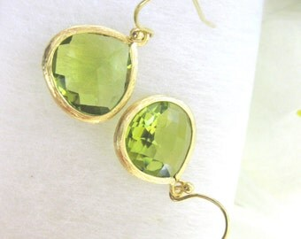 Peridot green earrings, Bridesmaids earrings, Bridal earrings, Wedding Jewelry, Green earrings