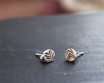 simple chevron earrings - chevron stud earrings - chevron studs - everyday earrings - chevon earings - small earrings - tiny studs