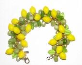 Tons of lemons glass vintage Carmen Miranda style bracelet!
