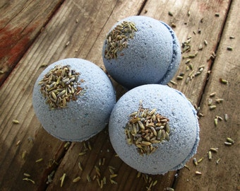 LAVENDER Bath Bomb with oatmeal ... Black Kettle