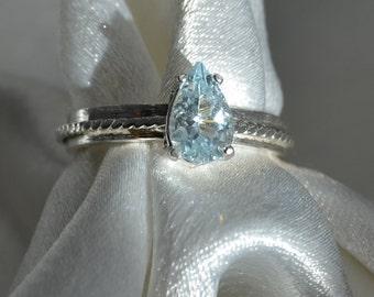 Kiss Me  - Aquamarine gemstone ring