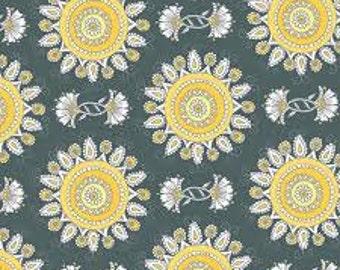 Clothworks Vintage Sunshine 1/2 Yard Cut