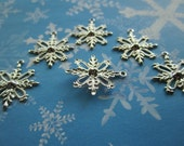 Fancy Snowflake Christmas Charms Silver Tone Findings Collage/Scrapbook Art/Crazy Quilt on Etsy x 6
