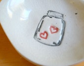Little Dish with a Jar of Hearts (KISS - Linen White)
