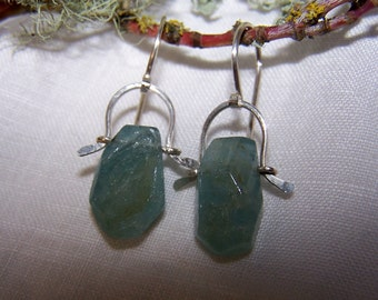 Faceted Aquamarine nugget briolette, sterling silver talsman bail and earwire earrings