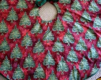 Burgundy Christmas Tree Skirt, Burgundy and Green Christmas Tree Skirt, Christmas Tree Skirt, Holiday Decor