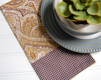 Adley Paisley Reversible Cloth Napkins / earthy dining room napkins / rustic brown and gold napkins / neutral napkins / brown cloth napkins