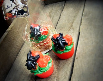 Spider Patch Halloween Soap Tart in cello bag + gift tag - the perfect gift for someone special!