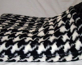 """DOG BED - Snuggle Sack - Houndstooth Fur - Sizes from 12""""x15"""" to 20""""x24"""" -Embroidered Personalization Included"""