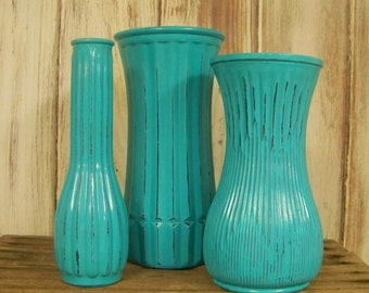 VINTAGE PAINTED VASES, Turquoise Painted and Distressed Vases, Shabby Chic Flower Centerpieces, Set of 3 Wedding Vases. Rustic Chic Vases