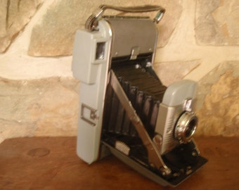 Mid-Century  1950s Polaroid Model 80 Land Camera - with Leather Case, Flash and Light Meter