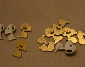 vintage snoopy sitting button set of 10