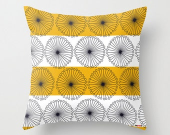 Decorative throw pillow cover - Black and white pillow case - Modern design - accent pillows - decorative bed pillows - couch - sofa