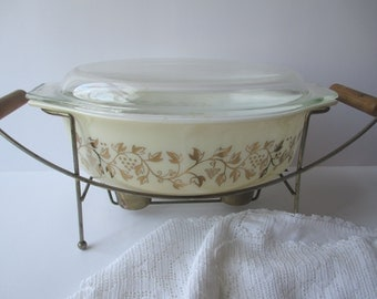 Vintage Pyrex Gold Grapes Casserole 2.5 Qt with Warming Stand - Retro