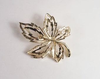 Leaf Filigree Gold Tone Brooch Vintage 60s Jewelry