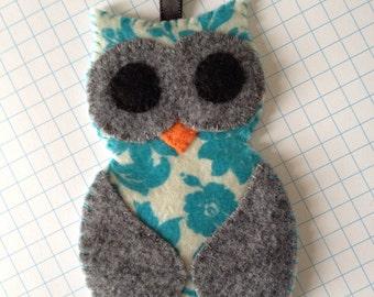blue floral owl felty