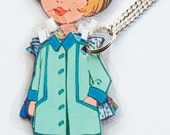 PaPeR DoLL LaMiNaTeD NeCkLaCe *BeLLe*