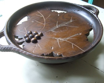 Antique Handcarved Wood Ivolene Swiss Music Carousel Plate Bowl Tray Grapes Grape Leaf