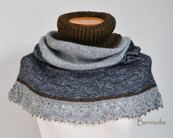 Knitted capelet, cowl, shoulderwarmer, grey, gray, with lace crochet trim and beads, M140