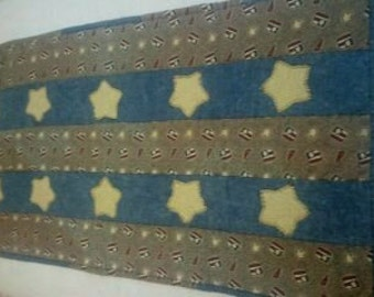 Quilted Denim look Tablerunner with Appliqued Stars in Tan, Pale Yellow, Blue
