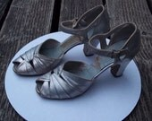 "FRENCH ROOM 1930 art deco Vintage silver dancing, party, holiday, bride shoes, Gatsby, silver, 3"" heel"