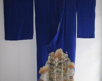 Elegant Blue Silk Montsuki Kimono
