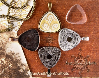 10 Pcs Blank Pendant Trays from Sun And Moon ~ TEXTURED ~ Triangle Pendant Trays with Crystal Clear GLASS Domes ~ Blank Pendants