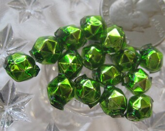 15 Glass Garland Beads Faceted Green Christmas Garland Beads Czech Republic 8mm  081GR