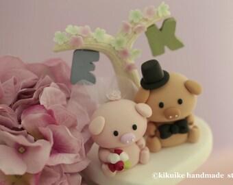 Pig, Piggy and Piglet bride and groom wedding cake topper---k705