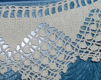 Vintage cotton crochet collar