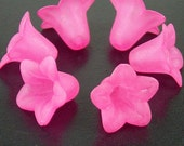 Acrylic Bead 6 Bell Daisy Flower 5-Petal Frosted 18mm x 12mm Pink (1017luc18-39)