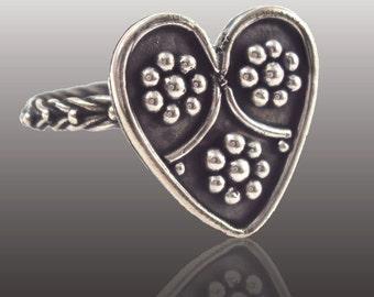 Atria Ring- Heart Ring