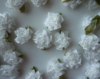 RIBBON FLOWERS , White with leaves , 12 pieces / 573
