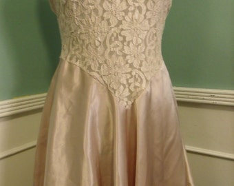 Vintage 70's Champaign Sexy Nighty. Negligee. Lace. Straps. Size S
