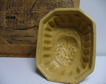 Antique Yellow Ware Mold