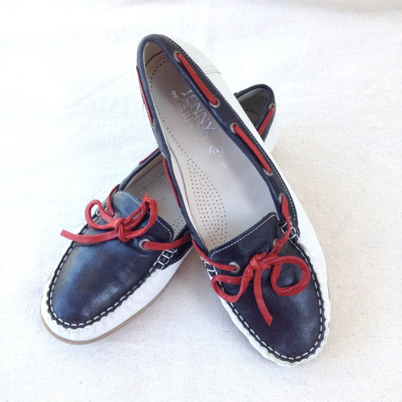 vintage boat shoes 7 5 white and blue leather by chicaluna