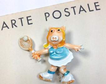 Miss Piggy Vintage enamel tennis pin brooch