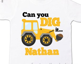 Big brother to be can you dig it under construction pregnancy announcement Tshirt