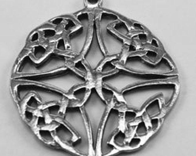 Large Flat Celtic Circle knot  1 bail Australian Petwer (R057)