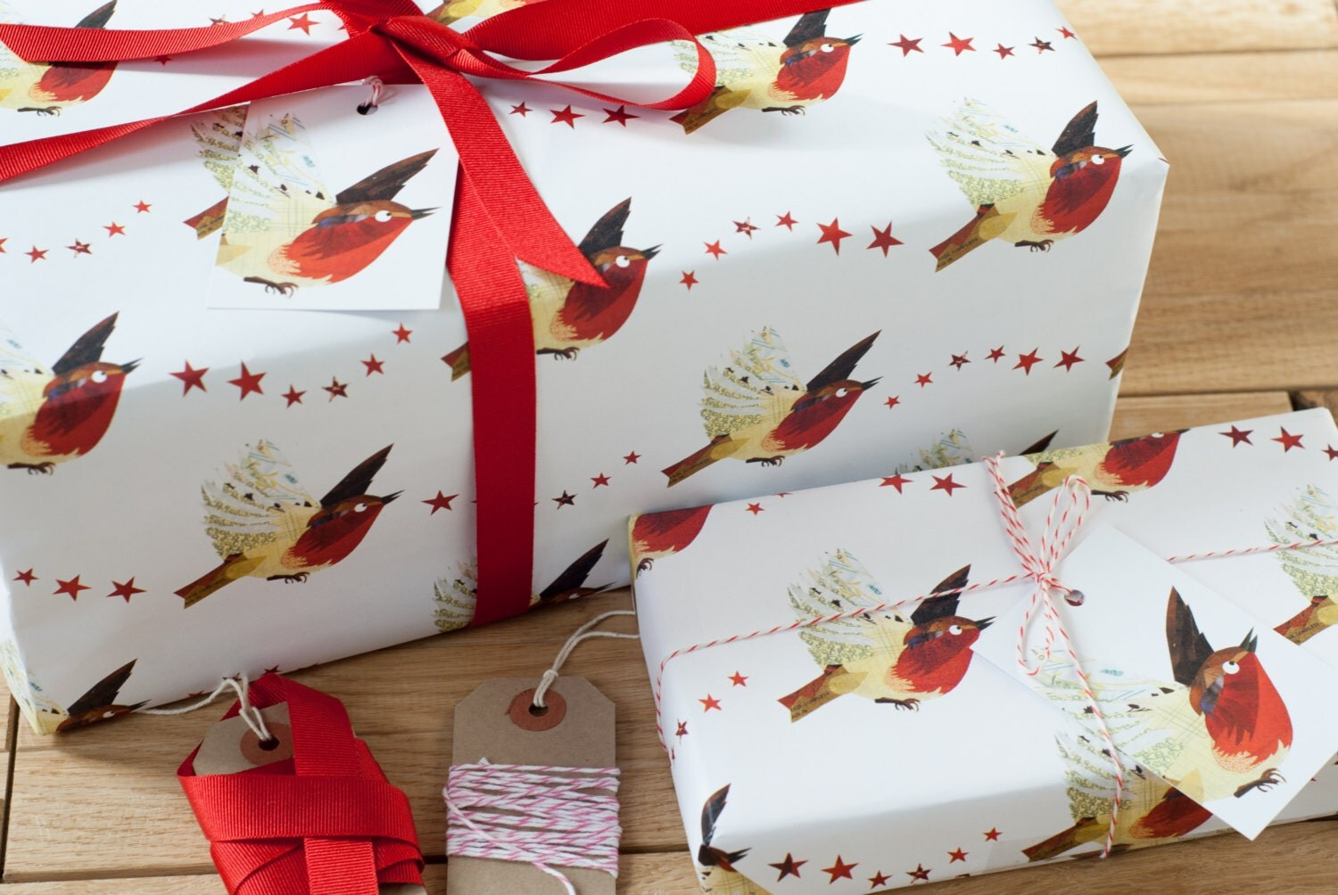 christmas robin recycled wrapping paper. Black Bedroom Furniture Sets. Home Design Ideas