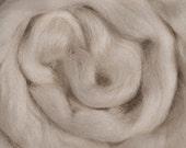 Corriedale Roving 16 oz Alba Ranch Beginner Wool Natural Ecru Undyed Spinning Wool