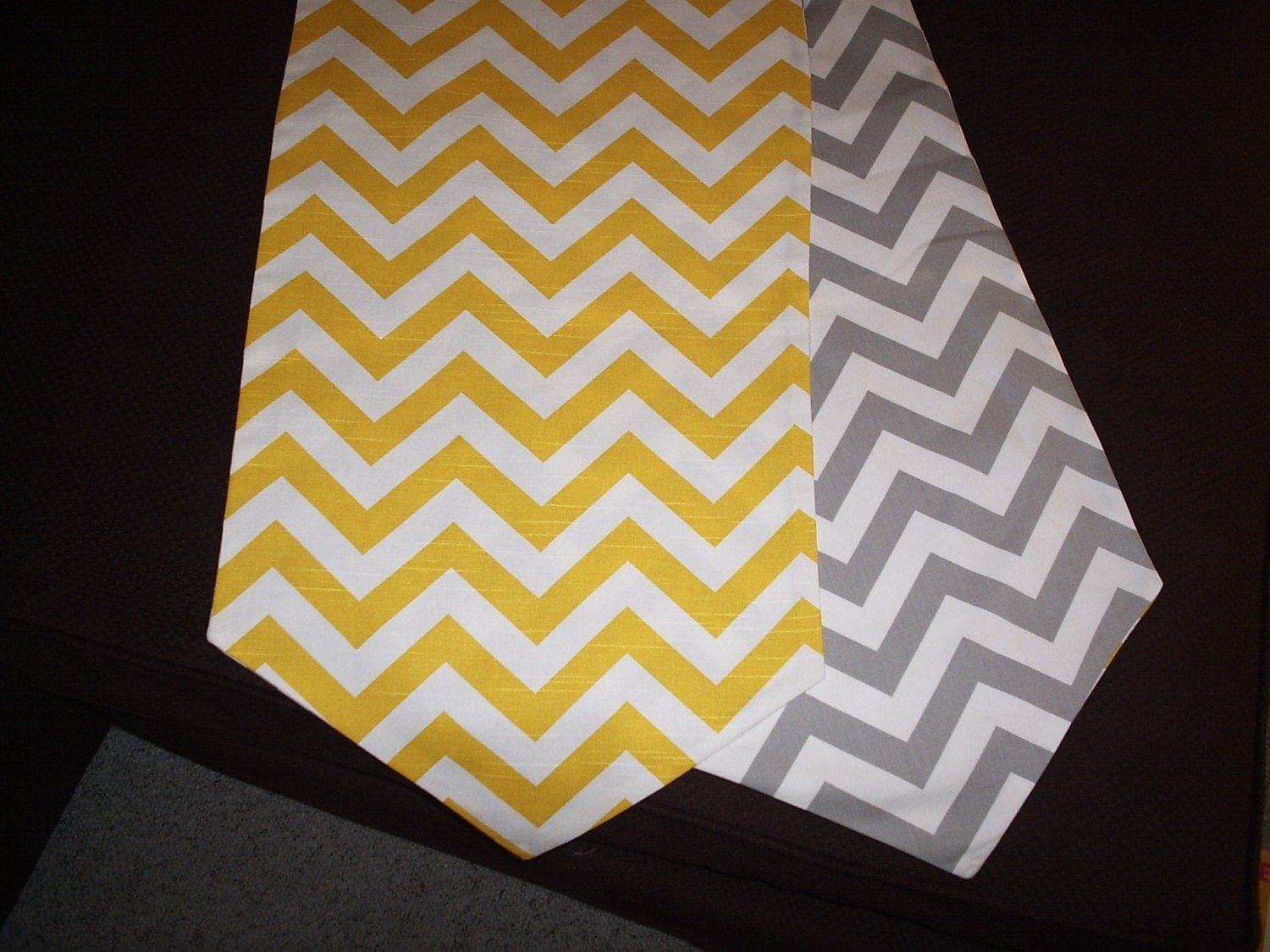 yellow and gray reversible chevron table runner with pointed. Black Bedroom Furniture Sets. Home Design Ideas