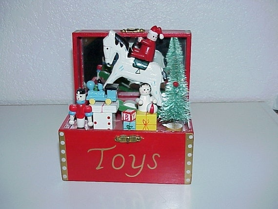 Christmas Toy Box : Vintagechristmas music boxtoy chest with wooden