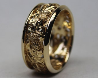 Scottish Thistle Band in 18K Gold size 12.5